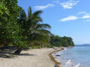 Strand von Cayos Cochinos in Honduras
